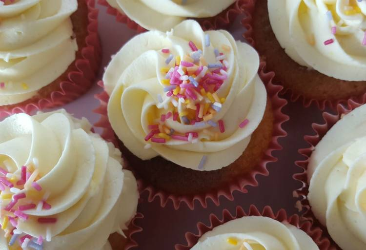 Coffee and cake for Cancer Support